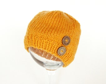 Mustard Baby Hat with Button/Yellow Baby Hat/Mustard Newborn Hat with Button/Infant Hat with Button/Newborn Hat with Wooden Button/Baby hat