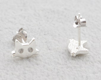 Super Cute Little Cat Stud Earrings
