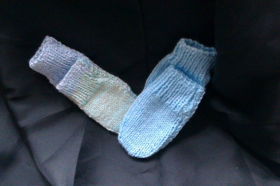 Knitting Patterns For Scratch Mittens : 2 Pairs of Hand Knitted Scratch Mittens. by samallyhandknitting