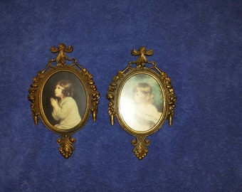 Set of 2 small Vintage pictures & frames.