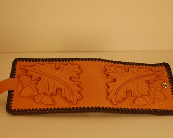 Hand Tooled Leather Billfold with Oak Leaves