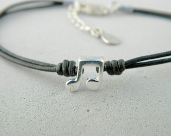 Leather and sterling silver bracelet. Musical note beaded. Musical note bracelet. Musical charm. Musical bracelet. Leather bracelet.L019