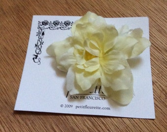 CREAM Beautiful and Fun Silky Floral Bloom Flower Hairclip... Wedding... Bridal... Bridesmaids... VLV... Anytime Hair Clip