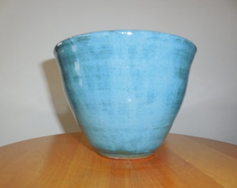 Medium turquoise bowl