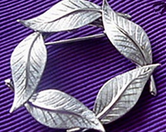 Circle of Leaves Brooch,Wreath