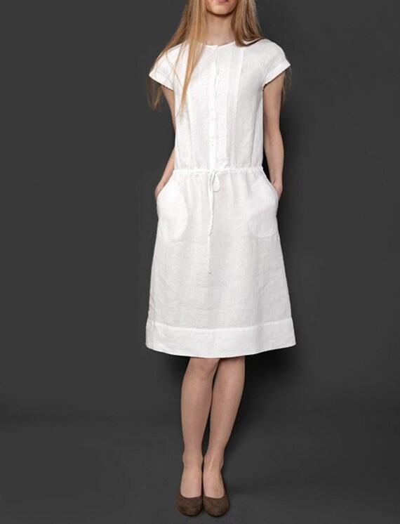 Vestiti di lino bianco