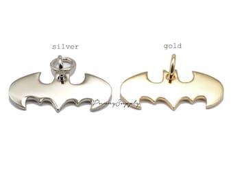 5 pcs - Batman Logo Bats Charms Pendants Findings, Batman jewelry, Super hero, Batman necklace - RAV.15