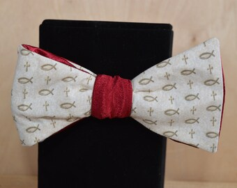 Double-Sided Fish and Wine Bow Tie