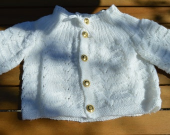baby vest is knitted with wool baby 15 euro coin