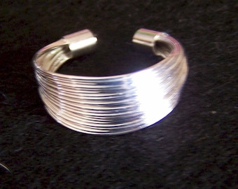 Solid 925 Silver Strand Ring (R06)