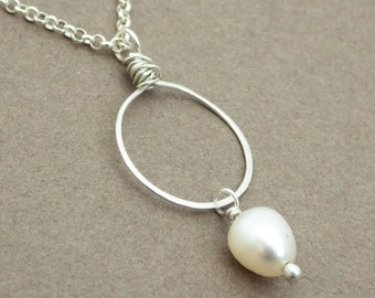 Pearl Pendant -- Simple Pearl Necklace -- Beach Wedding -- Bridesmaids Jewelry