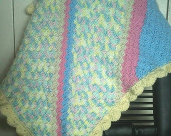 C2C with shell border baby blanket