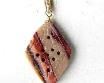 AMAZING! Hand Carved MOOKAITE & 14Kgf PENDANT 7205C