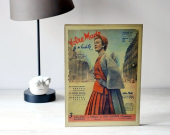 TABLE DECO, illustration of fashion of 1950 on wood. Wall or to ask for the House decoration.