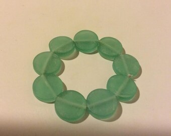 Light green resin stretch circle beaded bracelet