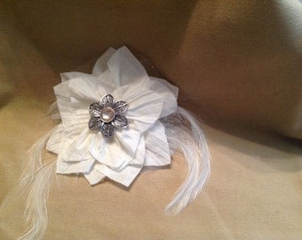 White feathered flower clip