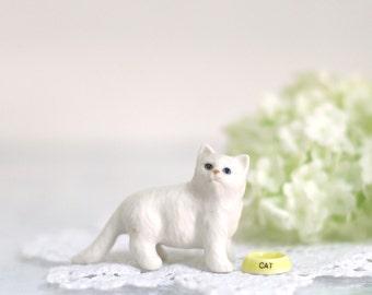 White cat set. Miniature ceramic.