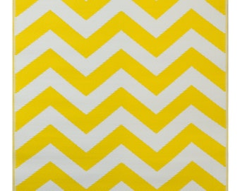 Psychedelia Yellow and White area rug