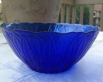 Beautiful Colbalt Blue Sapphire Salad/Serving Bowl By Avon