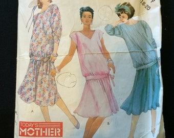 McCalls 3006 Maternity Top and Skirt Pattern
