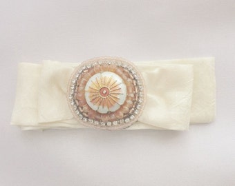 Tie Bracelet in peach/ivory