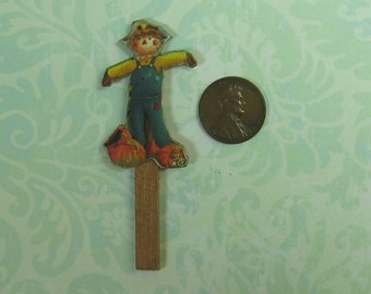 Dollhouse Miniature Happy Scarecrow on Stake
