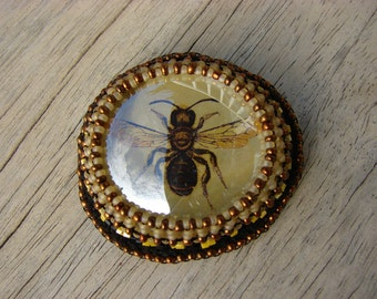 Black and Yellow Glass Bee Brooch 6 of 6