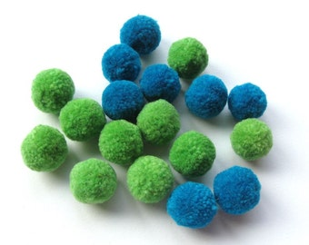 18 Small Pompoms - Blue & Green - Destash
