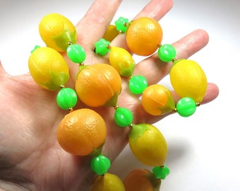 SJK Vintage -- Kitschy Oranges and Lemons Plastic Fruit Necklace (1950's-60's)