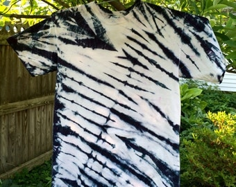 "Tie Dye ""Ink Blot"" Black N White Medium T-Shirt, you can also order in Sm, LRG,EX-LRG"