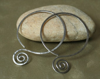 Handmade hammered stainless steel double circle earwire, one pair (item ID SS38G18)