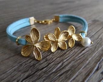 Wedding Flower Jewelry bracelet - Lei Bracelet - Tropical Beach Jewelry - Gift for Her - Bridal Jewelry
