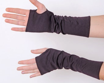 Eggplant arm warmers, Plum jersey fingerless gloves, plum wrist warmers, Purple Jersey wristwarmers, Plum fingerless armwarmers