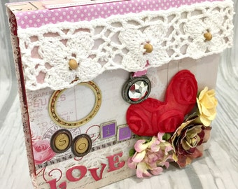 SO IN LOVE Box Accordion Pocket Scrapbook Mini Album