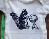 natural creme drumming squirrel romper one piece baby 6-12 month infant organic cotton bodysuit
