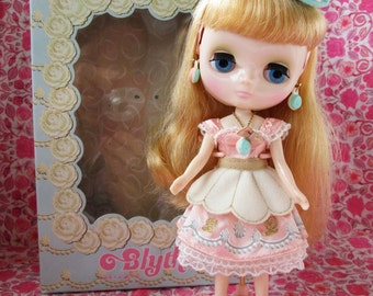 SALE..Middie Blythe Doll...Macaron Q-Tea Party... in Original Outfit and Box...Perfectly Darling for Customizing/Collecting!!
