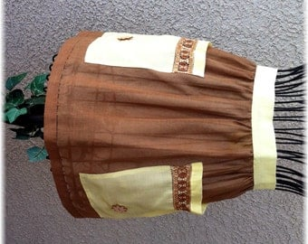 BROWN COTTON SHEER Apron with Yellow Pockets