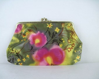 vintage 1960s olive green + magenta + yellow Floral KISSLOCK Change Purse