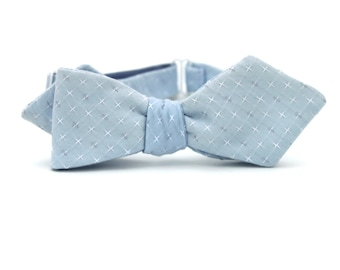 ON SALE!  sky blue diamond point freestyle bow tie  //  pale blue self tie bow tie  //  mens bow tie