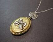 Oval Locket, Bow Locket, Photo Locket, Locket Necklace, Silver Bow, Small, Brass, SS Chain, Keepsake Locket
