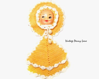 Vintage Pot Holders, Yellow Crochet / Doll Face