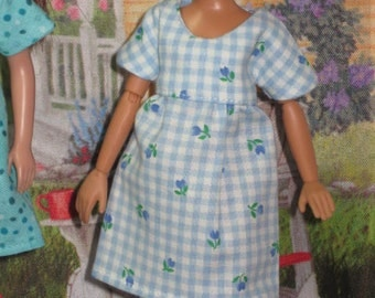 Short Sleeve Dress mad to fit Blythe, Moxie Girlz and Skipper Dolls