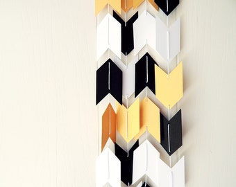 Arrow Garland in Gold Black and White