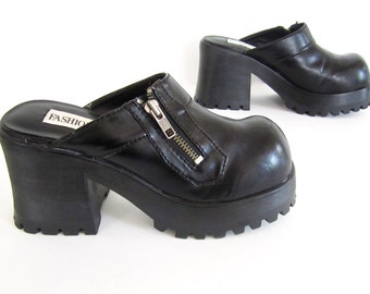 vintage 1990s BLACK vinyl vegan monster PLATFORMS clogs zipper womens 7 7 1/2 club kid GOTHIC classic street style dark princess stevie