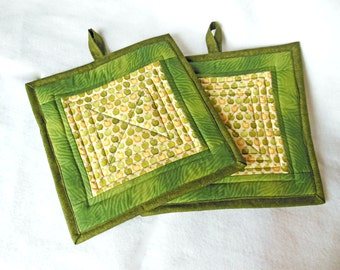 Quilted Potholders, Trivet, Green and Yellow Apple Print Fabric, Quiltsy Handmade