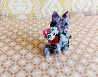 Nibs the Kitty cat -Vintage Style Handmade Chenille Dollhouse Figurine, Artisan Miniature Pipe Cleaner Animal Doll, Wire Ornament 42915