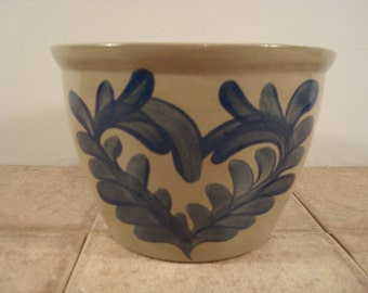 NICE Beaumont Brothers Pottery (Ohio) salt glazed stoneware bowl with heart shaped cobalt blue design