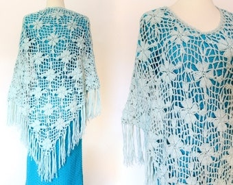Vintage Crochet Fringe Cape Scarf Boho Hippie Shawl Capelet Shrug Beach Wedding . XS l SM . D066 . 993.6.11.15