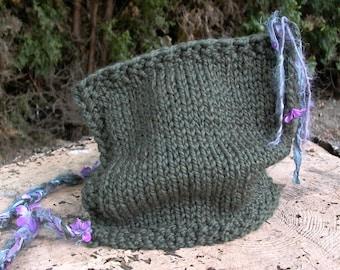 faery watcher's hood. chunky knit hood . handknit pixie hat . hooded hat . fairy pixie elven hood . warm wool women's hobbit hood