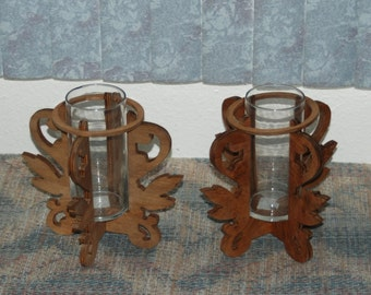 Pair of vases framed by scroll carving - Glass vases included - 15090-91
